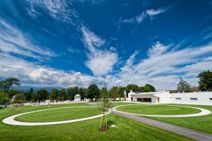 Zwei Kreise auf einer WieseFoto: Bestattung Wolfsberg